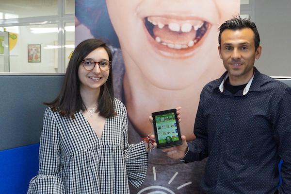 WeebleBooks dona 5 tablets a la Fundación Soñar Despiertos